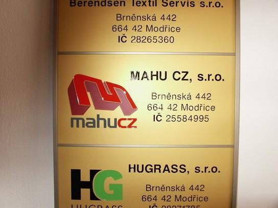 Informační tabule s označením provozovny